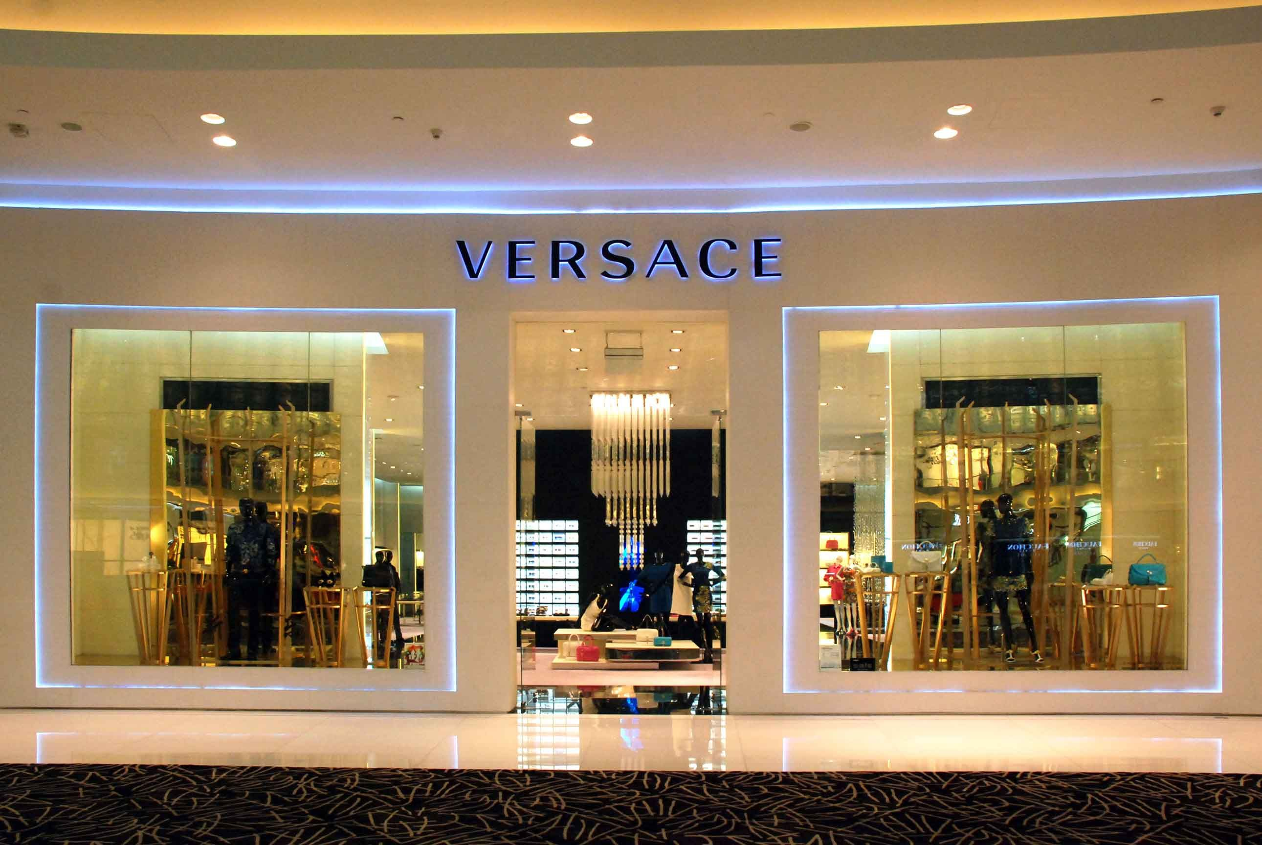 Top ten expensive luxury fashion brands